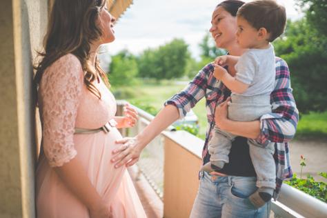 Pregnancy woman chatting
