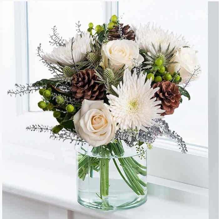 Blossoming Gifts Blitzen
