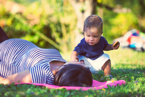 pregnancy with toddler 474